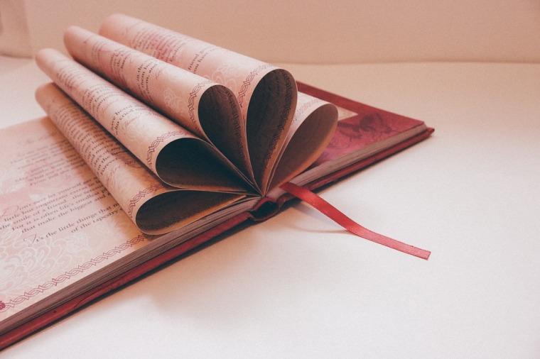 book-912721_960_720
